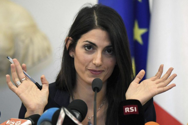 La mairesse de Rome, Virginia Raggi.... (Photo TIZIANA FABI, Agence France-Presse)