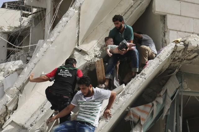Mercredi, Alep a subi sa pire journée depuis... (AFP, Ameer Alhabi)