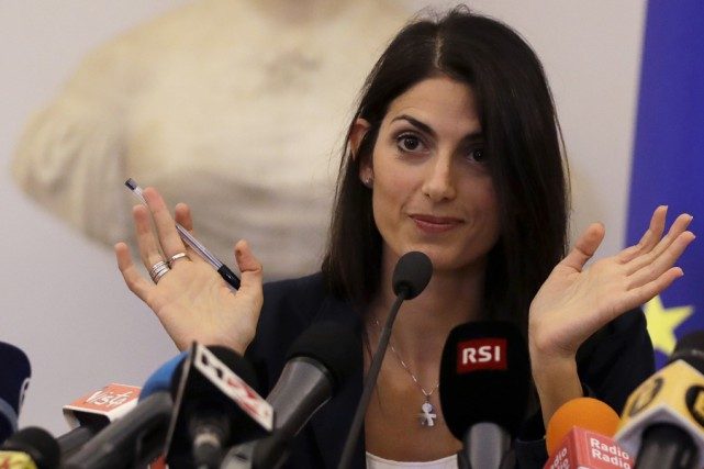 La mairesse de Rome, Virginia Raggi... (Associated Press)