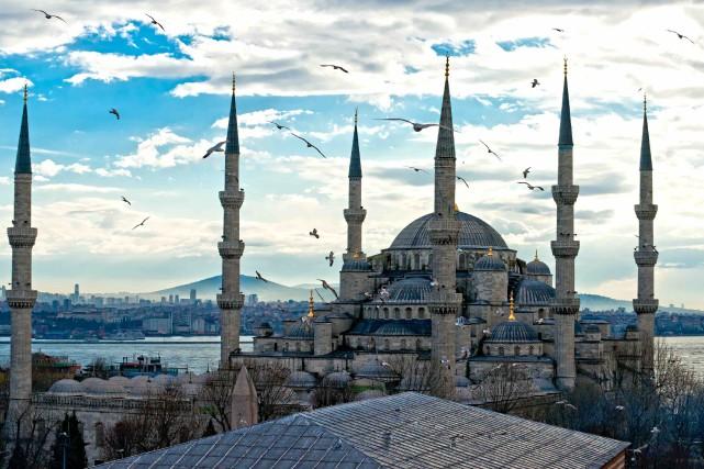 La Mosquée bleue est l'une des attractions les... (123RF/Elena Shchipkova)