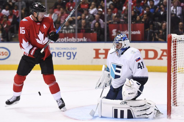 Coupe du monde de hockey le canada bat facilement l 39 europe 4 1 jonas siegel hockey - Coupe du monde de hockey 2013 ...