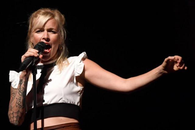 Brigitte Boisjoli déploie beaucoup d'énergie sur scène, au... (PHOTO BERNARD BRAULT, LA PRESSE)