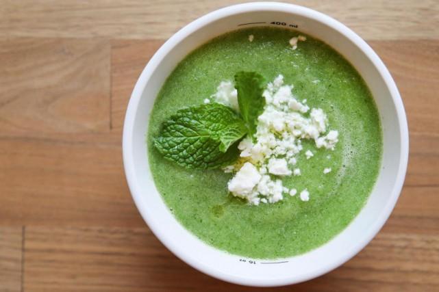 Soupe rafraîchissante aux concombres par Soupesoup... (PHOTO ROBERT SKINNER, LA PRESSE)
