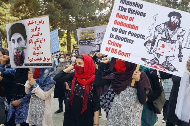 Plusieurs manifestants ont pris la rue dans le... (photo AFP/str)