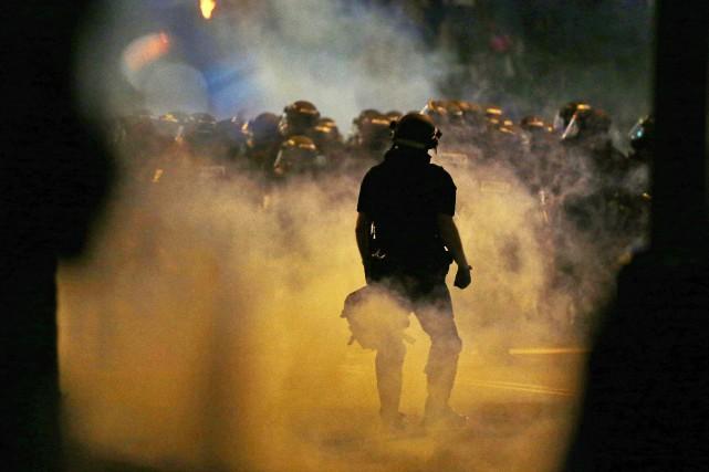 Une manifestation pacifique organisée mercredi soir à Charlotte... (Photo Gerry Broome, AP)