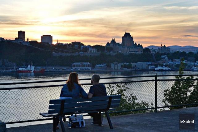 Lévis offre une vue imprenable sur la ville... (Photothèque Le Soleil, Pascal Ratthé)