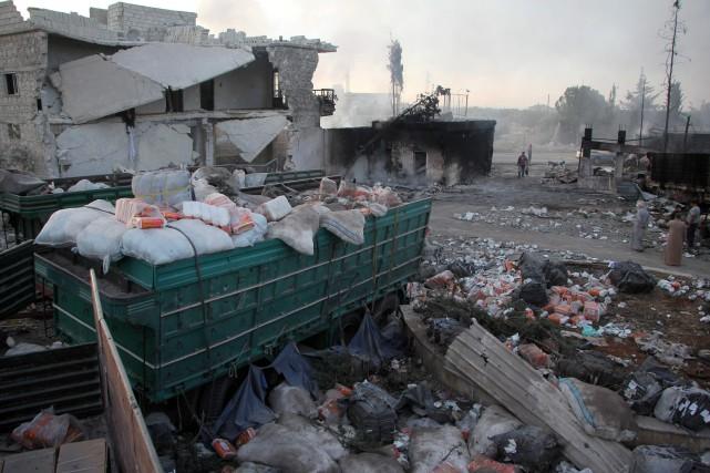 Ce bombardement d'un convoi humanitaire lundi soir près... (PHOTO Omar haj kadour, AFP)