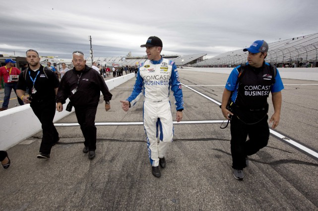 Carl Edwards... (Photo Jim Cole, AP)
