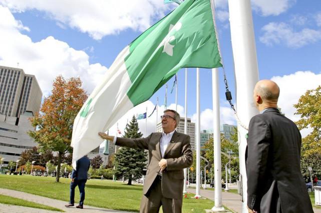 Vêtus de vert et de blanc, de nombreux... (Patrick Woodbury, LeDroit)