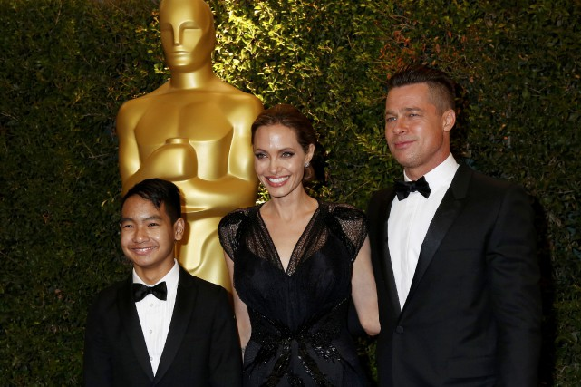 Angelina Jolie, Brad Pitt et leur fils Maddox... (PHOTO FRED PROUSER, archives REUTERS)