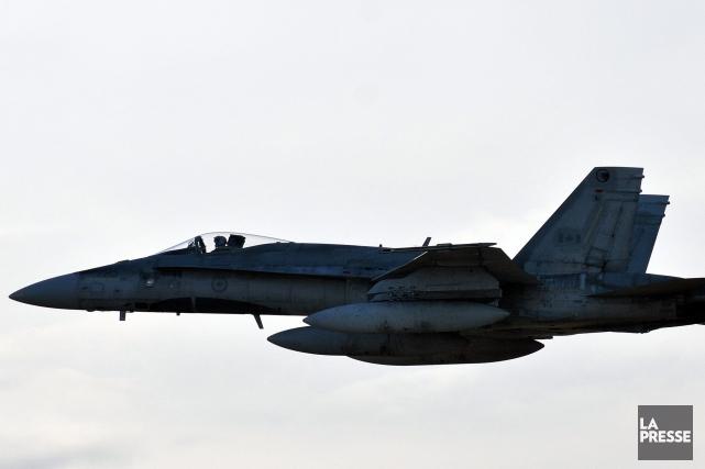 Un CF-18 a été ciblé par un pointeur... (Photo d'archives)