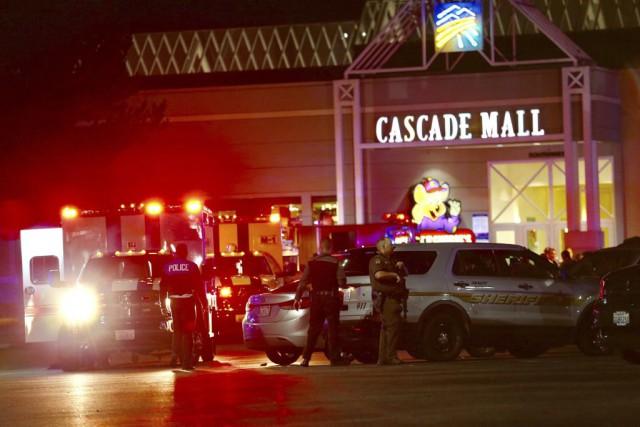 La tragédie a eu lieu dans le centre... (Photo Dean Rutz, AP/The Seattle Times)