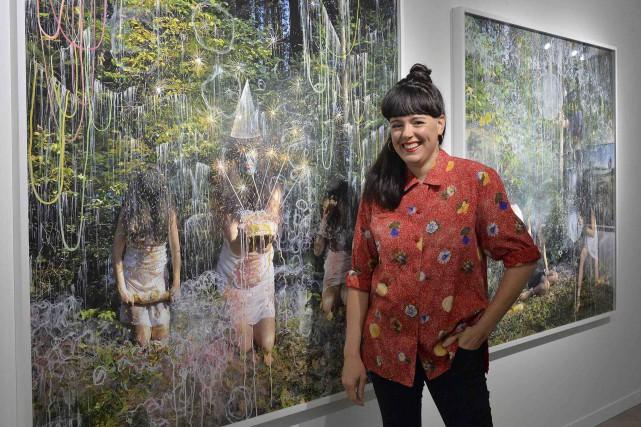 Annie Baillargeon devant ses oeuvresLes fingales(à gauche) etLes... (Le Soleil, Patrice Laroche)