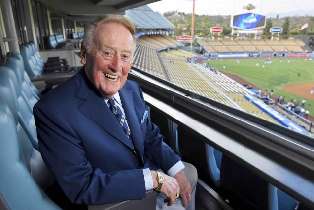 Dimanche, Vin Scully prendra place pour la dernière... (AP, Mark J. Terrill)