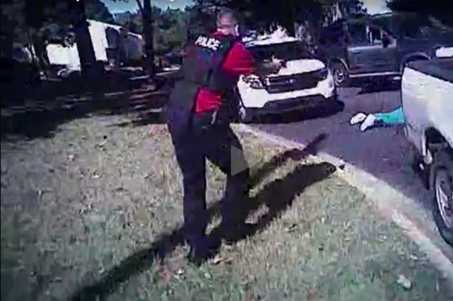 La police a rendu publique la vidéo corporelle... (Capture d'écran de la vidéo du CMPD)