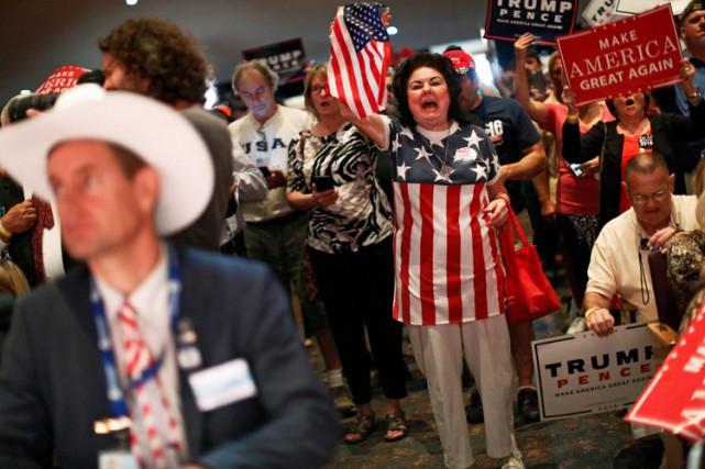 Des supporters de Donald Trump participent à un... (PHOTO REUTERS)