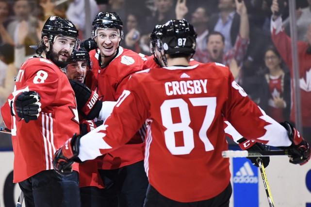 Avec la Coupe du monde, la course aux... (Nathan Denette, La Presse canadienne)