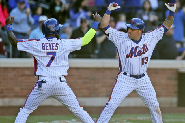 Jose Reyes et Asdrubal Cabrera... (PHOTO Seth Wenig, AP)