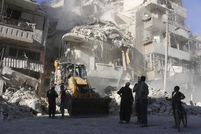 Des quartiers entiers d'Alep ont été détruits par... (AFP, Thaer Mohammed)