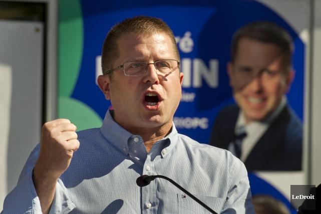 Le candidat du Parti progressiste-conservateur de l'Ontario dans... (Martin Roy, Archives LeDroit)