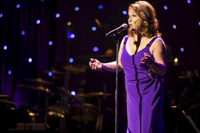 Louise Olivier lors du spectacle Place aux aînés.... (Olivier Croteau)