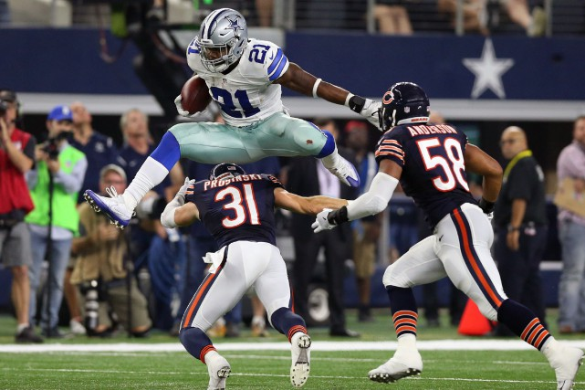 Le demi offensif des Cowboys Ezekiel Elliott (21)... (Photo Matthew Emmons, USA Today Sports)