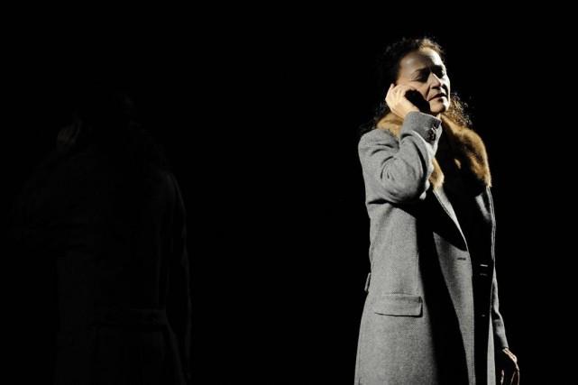 Sylvie Drapeau dans La délivrance de Jennifer Tremblay,... (Photo Valérie Remise, fournie par le Théâtre d'Aujourd'hui)