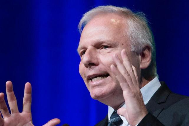 Comme à son habitude, Jean-François Lisée a sorti... (PhotoGraham Hughes, La Presse canadienne)