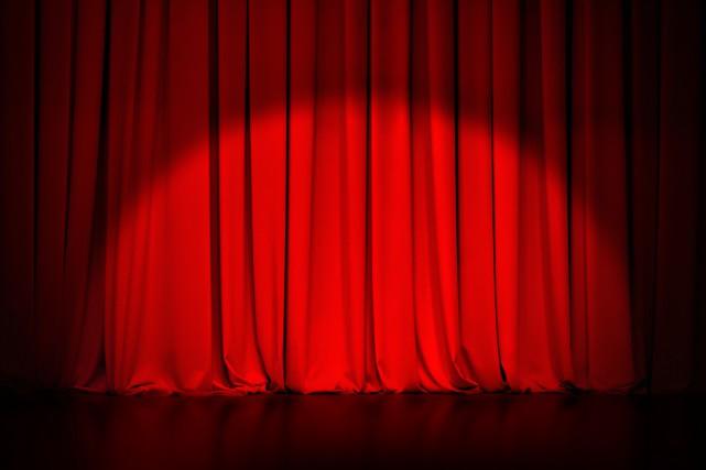 Le théâtre qui fera courir les foules au cours des prochains mois est-il à...