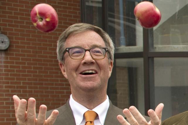 Le maire d'Ottawa, Jim Watson...