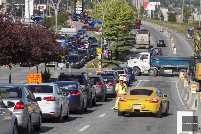 La circulation devrait devenir plus fluide au cours... (Archives, La Tribune)