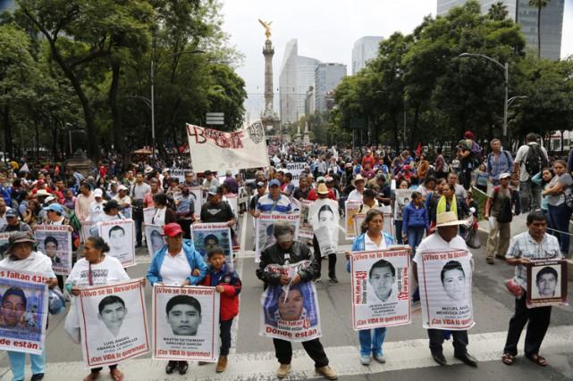 Les étudiants ont disparu dans la nuit du... (PHOTO AP)