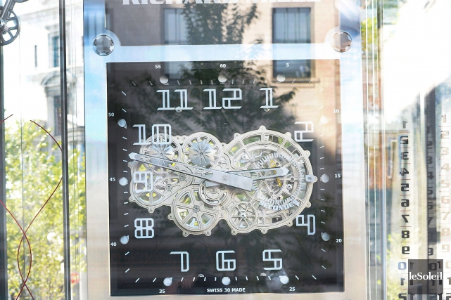 Offerte pour 2008, l'horloge du Jurafabriquée par la... (Le Soleil, Jean-Marie Villeneuve)