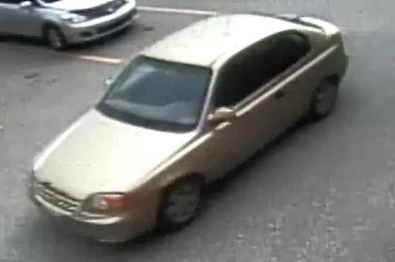 Le suspect se trouvait dans son véhicule Hyundai... (Photo fournie par le SPS)