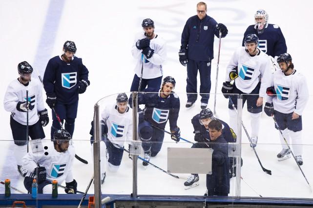 Les joueurs de l'équipe européenne à l'entraînement, lundi,... (Photo Nathan Denette, PC)