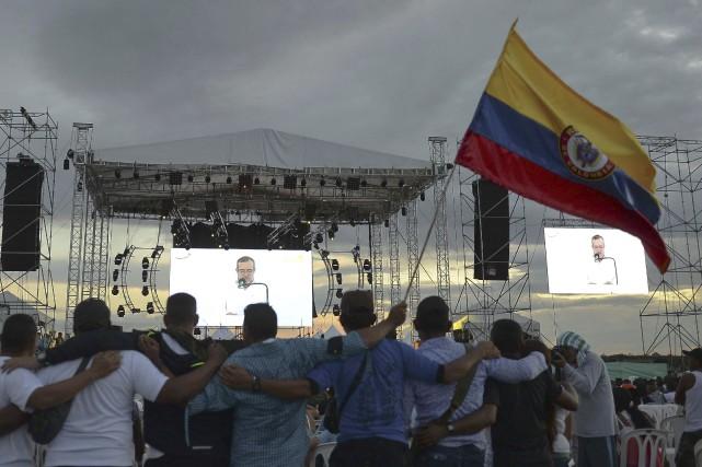 Un millier de guérilleros des FARC s'étaient rassemblés... (AFP, Raul Arboleda)