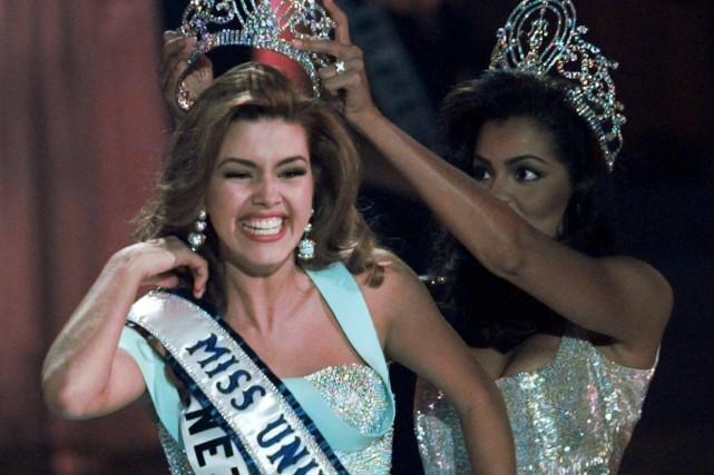 Alicia Machado lors de son couronnemnet pendant le... (Archives AP)