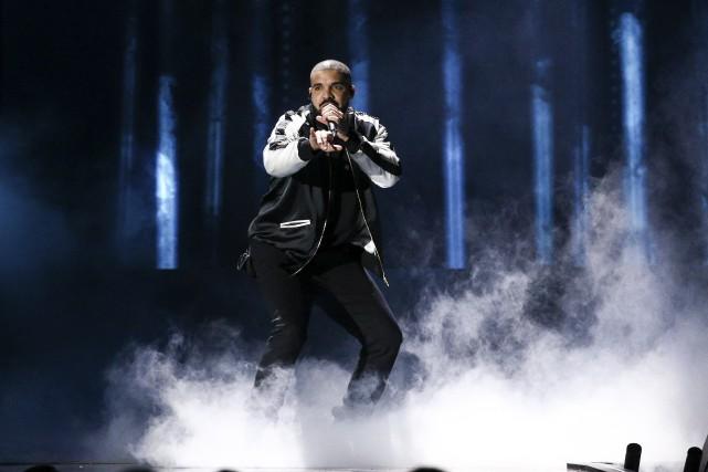 Drake en concert à Las Vegas, vendredi dernier... (AP, John Salangsang)