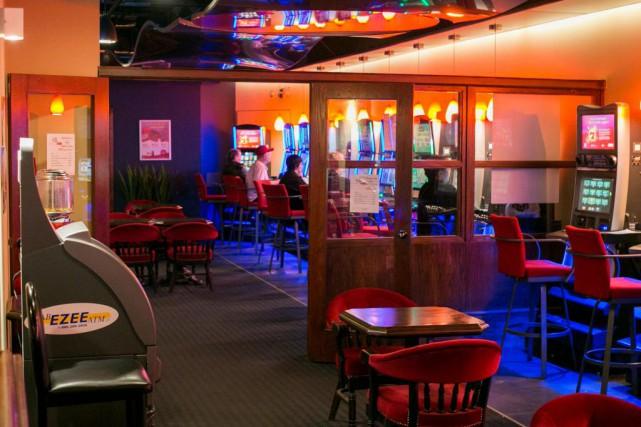 L'immense majorité des bars visités par La Presse... (PHOTO MARTIN TREMBLAY, LA PRESSE)