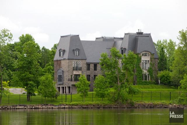 Le palace vendu par Céline Dion, situé sur... (PHOTO ALAIN ROBERGE, ARCHIVES LA PRESSE)