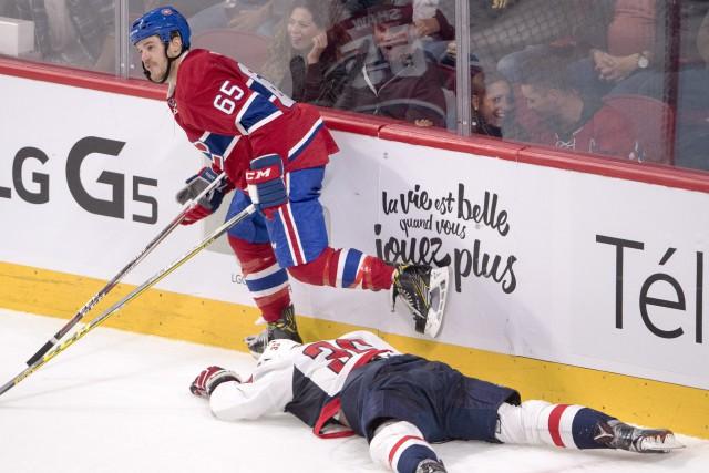 AndrewShaw a frappé par derrière et contre la... (Photo Ryan Remiorz, PC)
