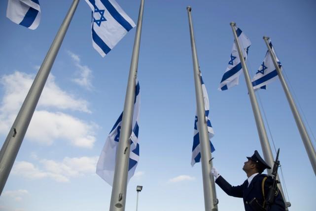 Un membre de la garde de la Knesset... (photo Ariel Schalit, AP)