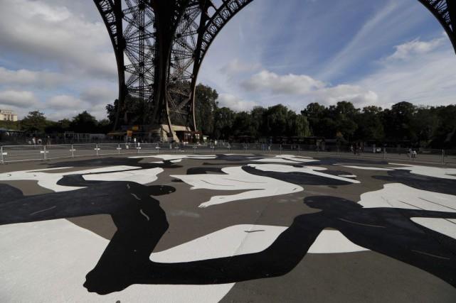 Une fresque peinte de 700 m² réalisée par... (PHOTO AFP)