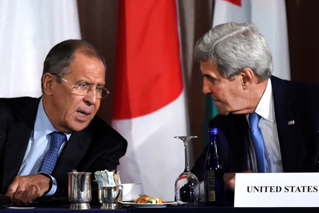 Sergueï Lavrov et John Kerry à New York,... (PHOTO REUTERS)