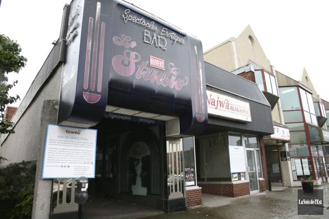Les propriétaires de l'ancien bar de danseuses nues... (archives La Voix de l'Est)