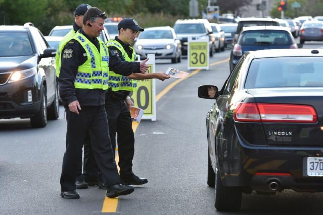 Les policiers de la Sécurité publique ont tenu... (Photo: Francois Gervais)