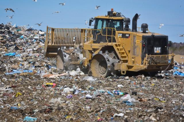 Au lieu d'être acheminés vers Saint-Étienne-des-Grès, les déchets... (Photo: Francois Gervais)