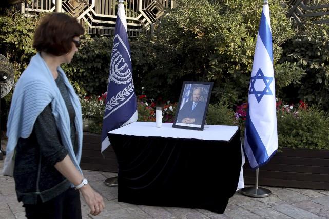 Une vague d'émotion a déferlé sur Israël depuis... (AFP, Gali Tibbon)