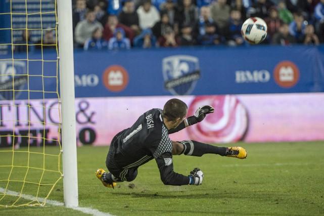 Evan Bush a stoppé un penalty en fin... (La Presse canadienne, Paul Chiasson)