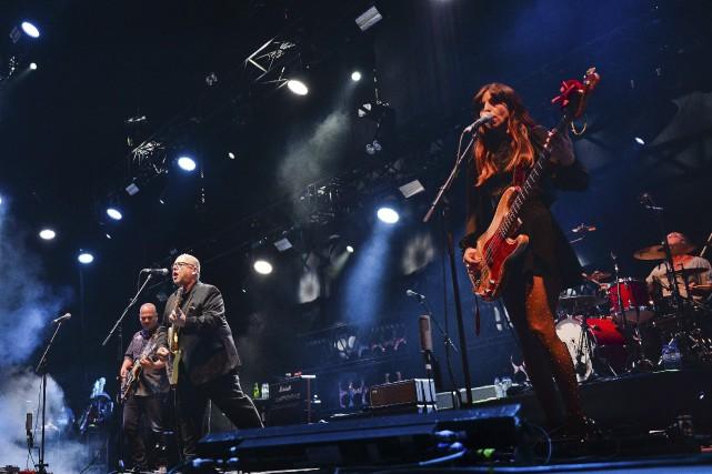 Pionniers du rock alternatif, les Pixies ont récemment... (AFP, PATRICIA DE MELO MOREIRA)